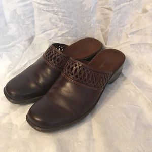 Clark's Slip On Brown casual shoes-Ladies 9 1/2